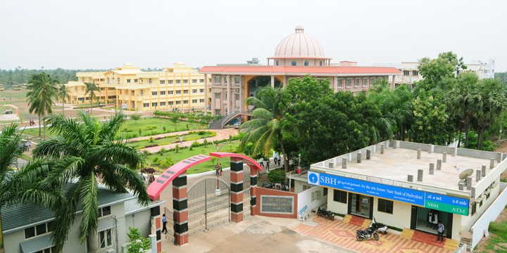 Sri Vasavi College Campus.jpg